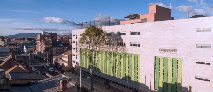 B4M LATAM firma un acuerdo de cooperación con la Fundación Universitaria del Área Andina, Colombia